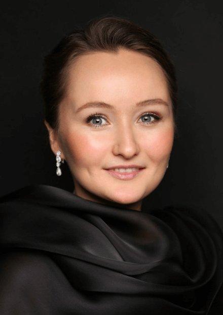 Юлия Лежнева (сопрано), Дмитрий Синьковский (дирижер). В сопровождении оркестра