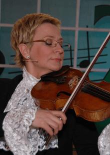 Веселые уроки музыки с Виолеттой Модестовной. Репетиция в 3D