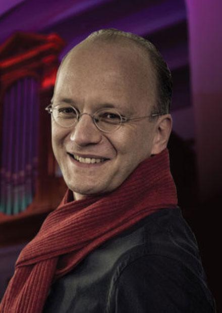 Играет Хансйорг Альбрехт, орган (Германия)