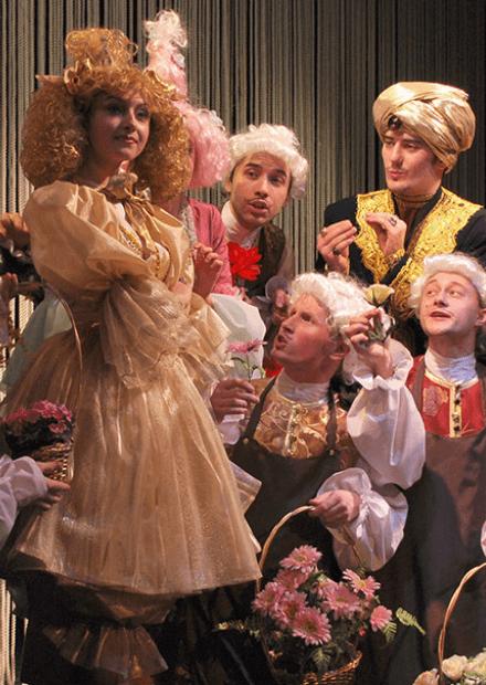 Двенадцать месяцев. Театр русской драмы