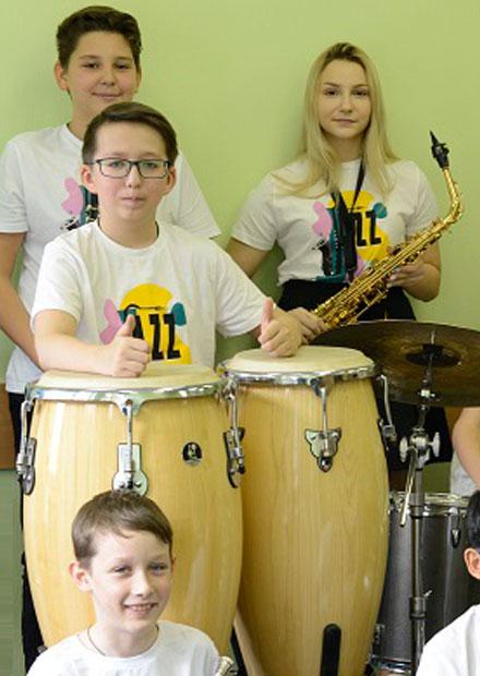 """Детский эстрадный оркестр """"Апрель-Бенд"""""""