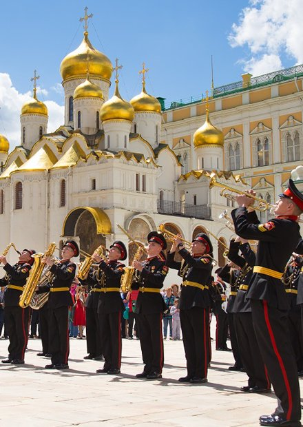 Суворовцы-музыканты. Праздничный концерт