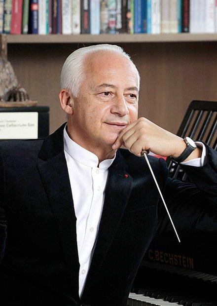 В. Спиваков и НФОР. Солист - Даниэль Лозакович (скрипка)