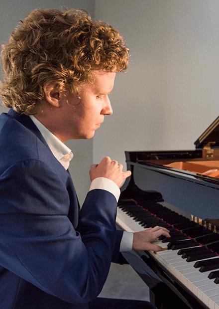 Николай Хозяинов (фортепиано). Шопен, Бетховен
